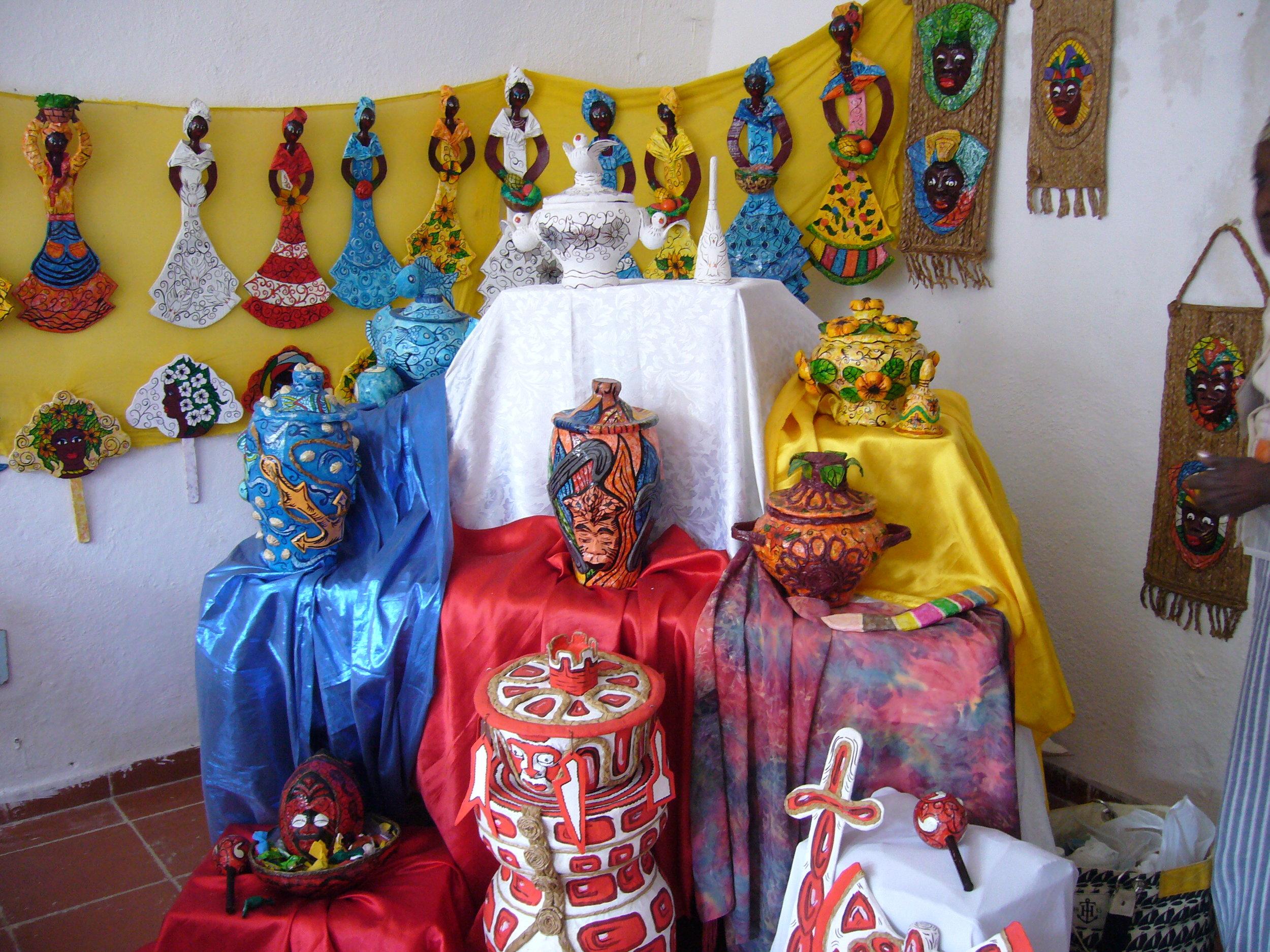 Tour of La Muñeca Negra Proyecto (