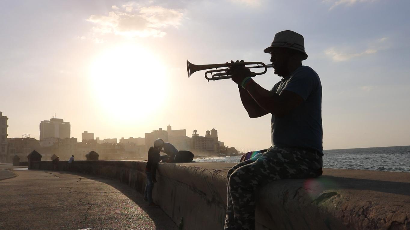 86 Diasporatt...Foto DAYANS LINEA La Habana Cuba(22 de junio 2018) Trompetista.png
