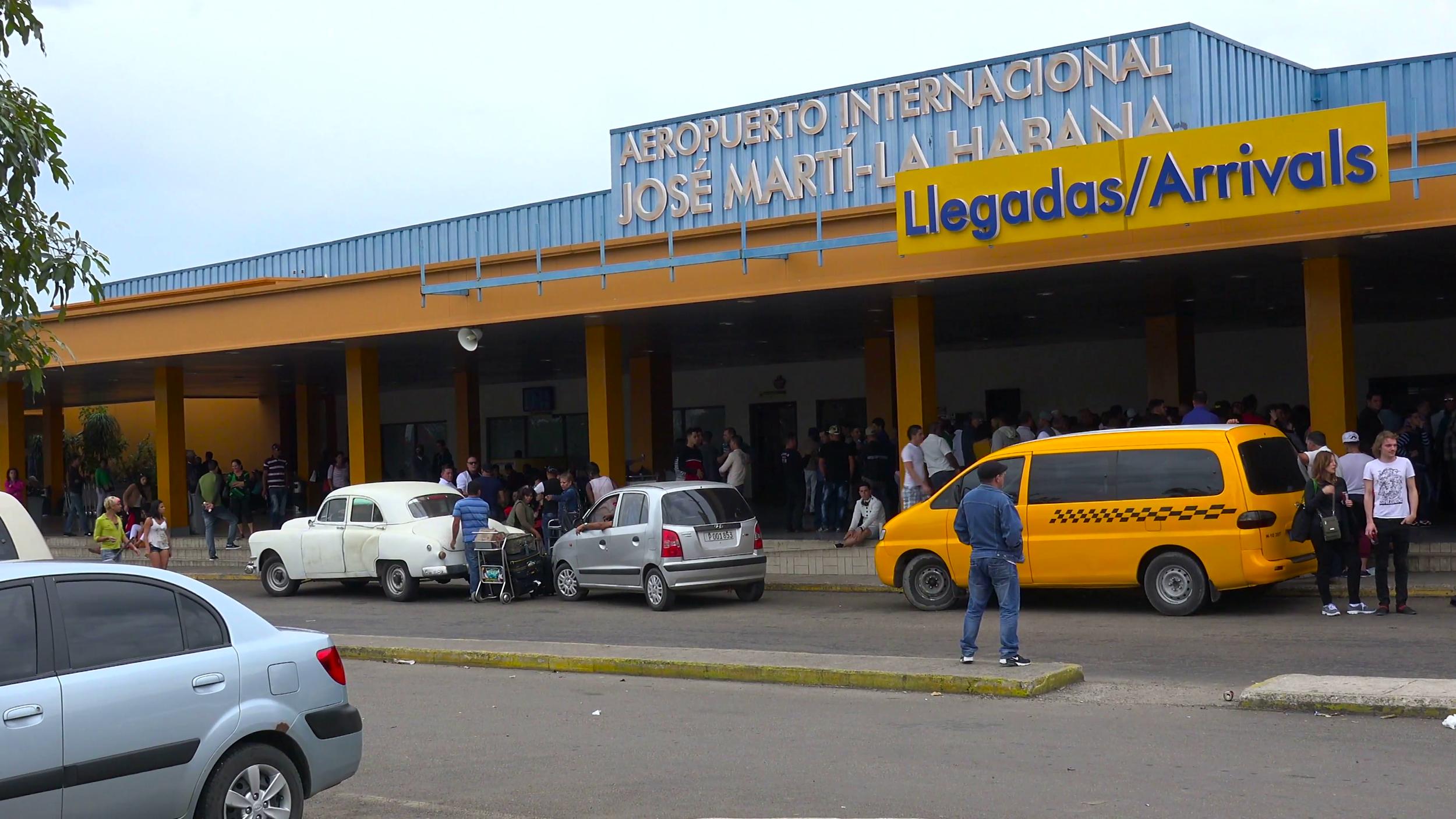 establishing-shot-of-the-jose-marti-international-airport-in-havana-cuba_rsvpelxo__F0000.png