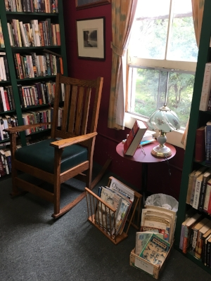Comfortable reading nook in a shop in Hobart Book Village