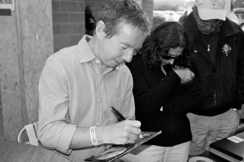 RobbieLaws.Autographs.Joe D Photos 2012.jpg