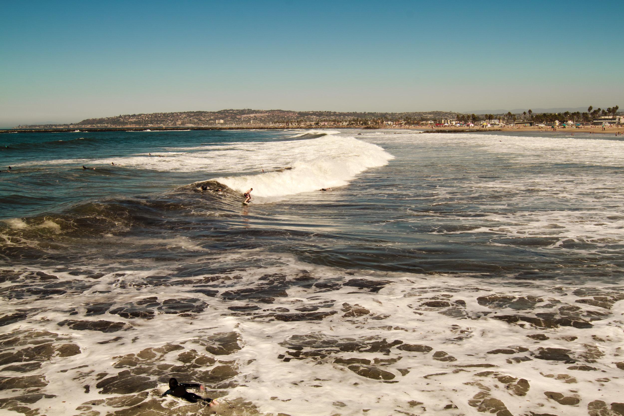 Surfers_at_Ocean_Beach_GFTG.JPG