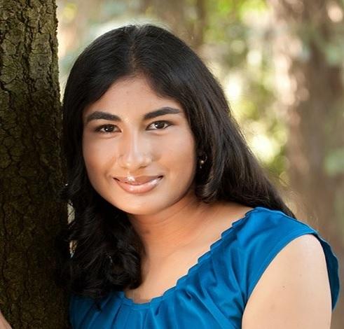 Nina Shekhar head shot.jpg
