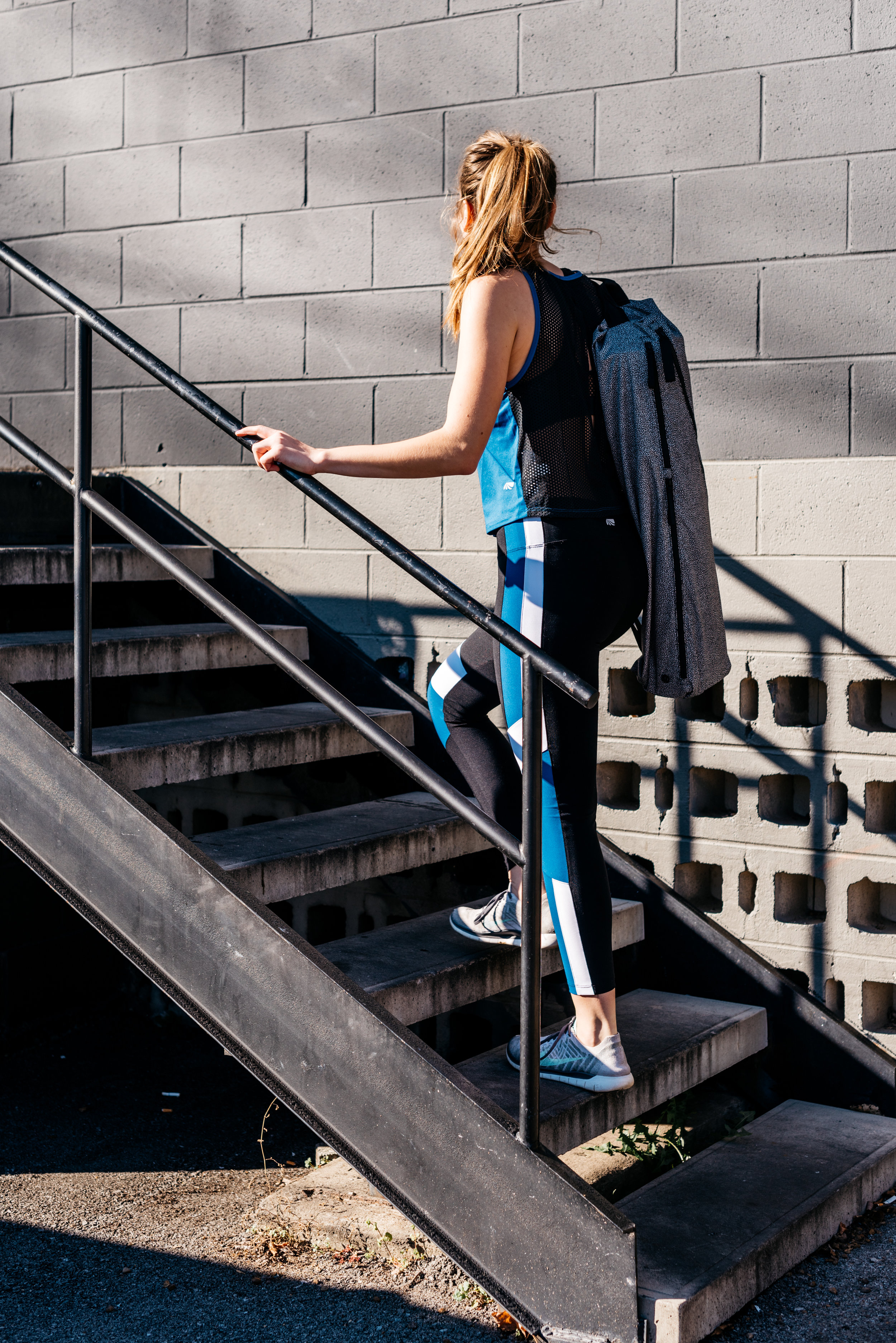 KAZMIRA-ELLIE-CLOTHES_2.jpg