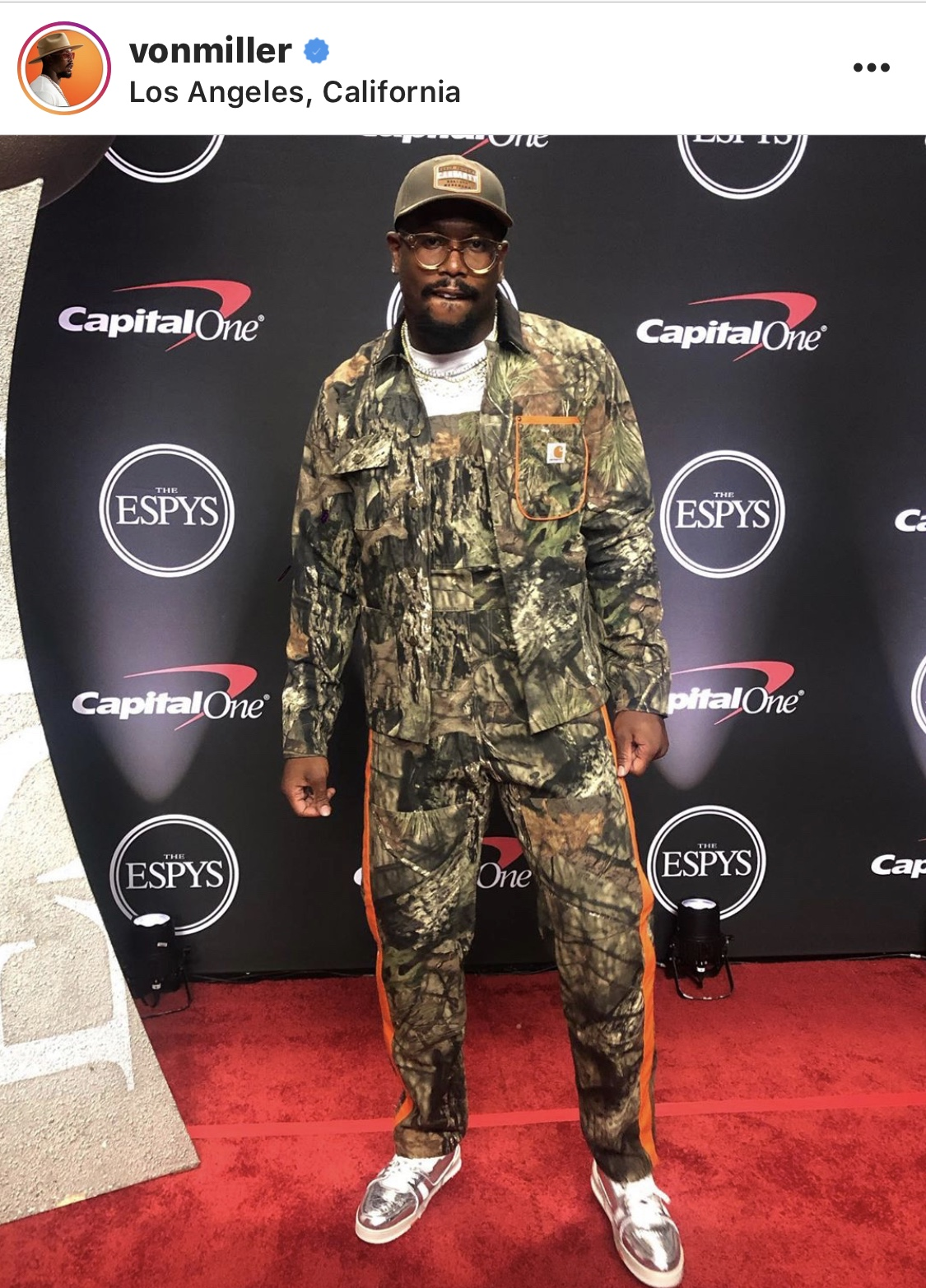 Real Tree Camo fits will always be fire to me when pulled off correctly, and with the Louis Sneakers Von Miller killed it.
