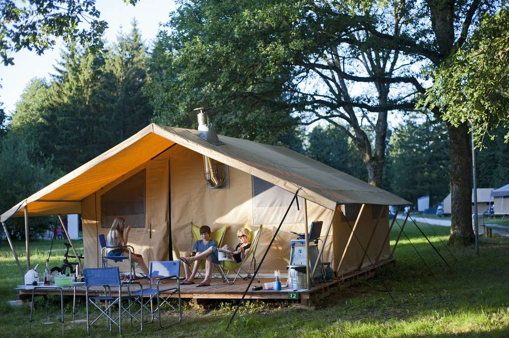 camping_huttopia_les_chateaux_tente_cosy.jpg