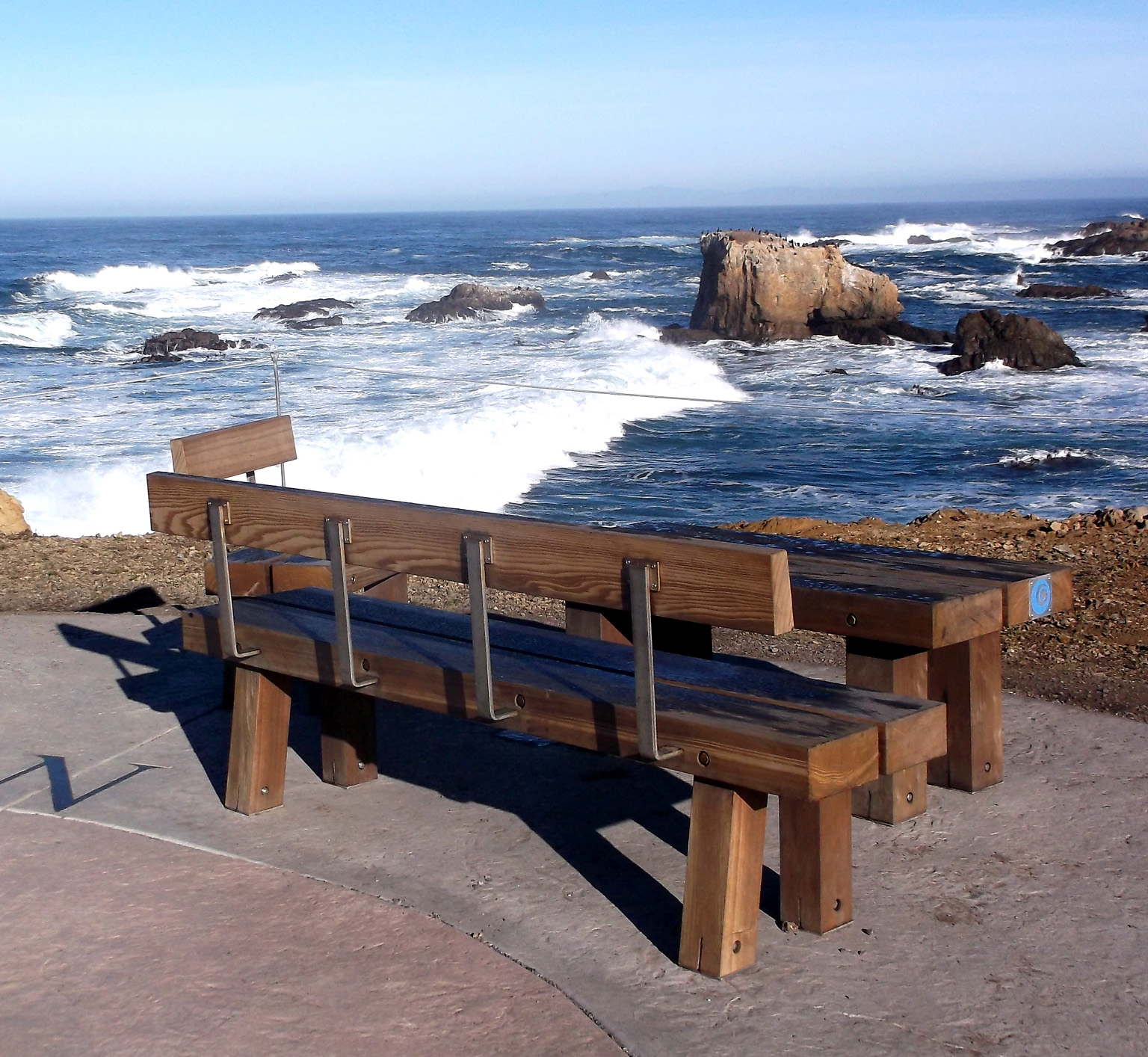Wave watching bench and picnic spot, along Ka Kahleh Trail, part of the coastal trail system. Fort Bragg CA. Photo: Mary Charlebois