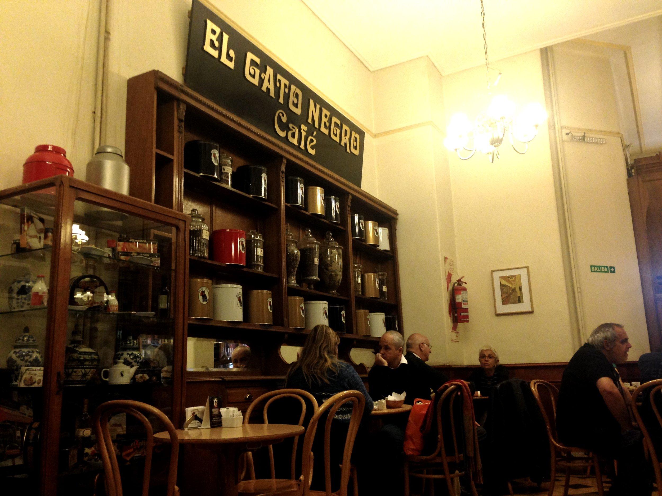 El Gato Negro Bar. Photo by Allison Yates
