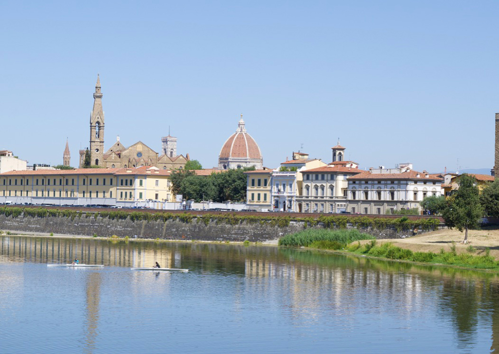 View of Firenze over the Arno River.
