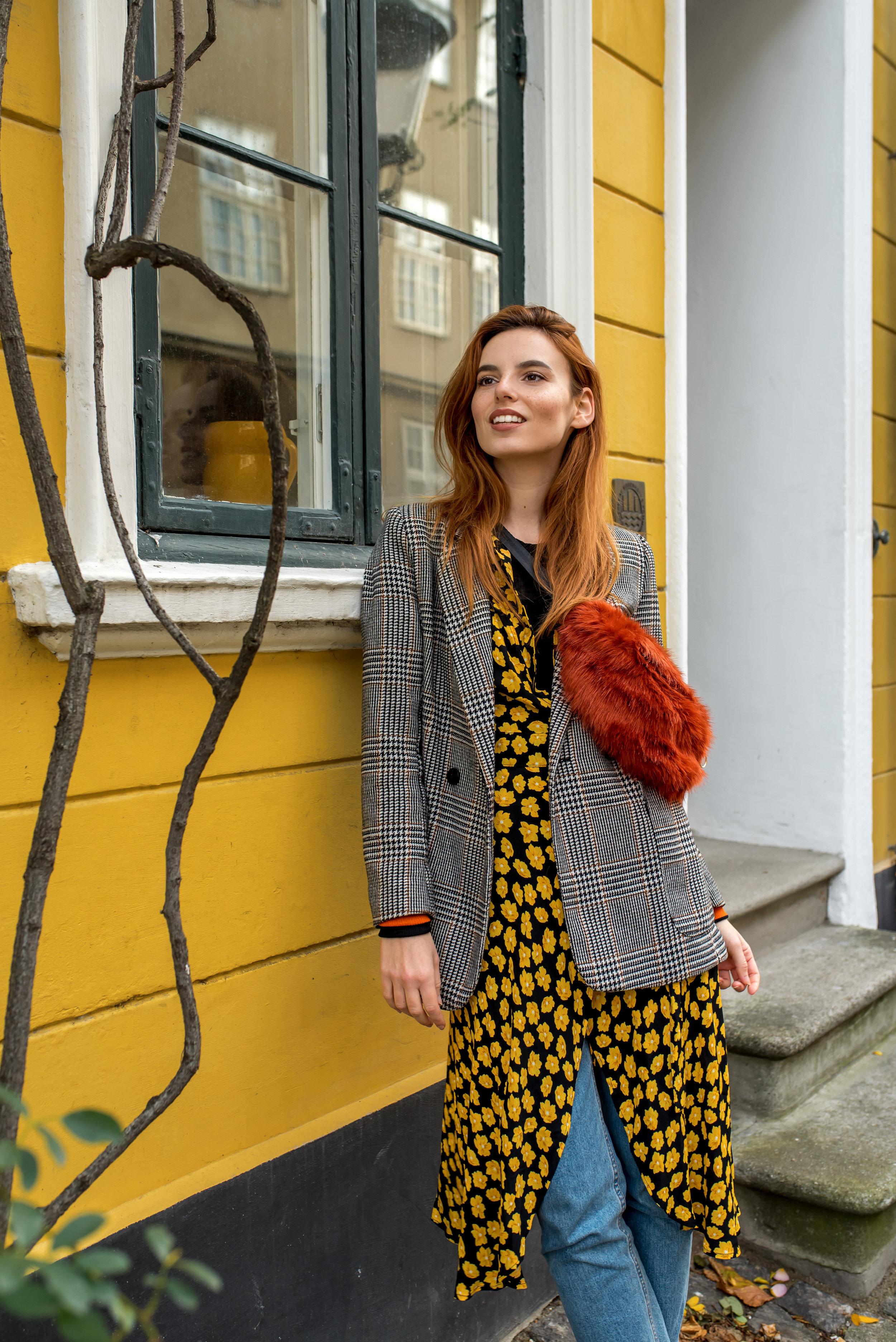 Ganni dress // H&M blazer, top, jeans // Baum und Pferdgarten bag