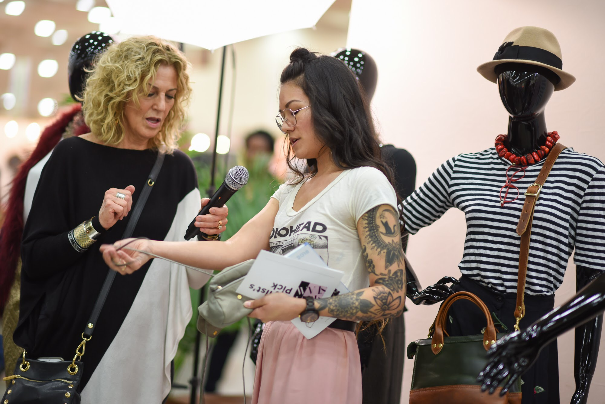 Sharing my thoughts on an expandable clutch from  Arza Gilad , with Sloane Brown of   The Baltimore Sun   &  Baltimore SNAP .