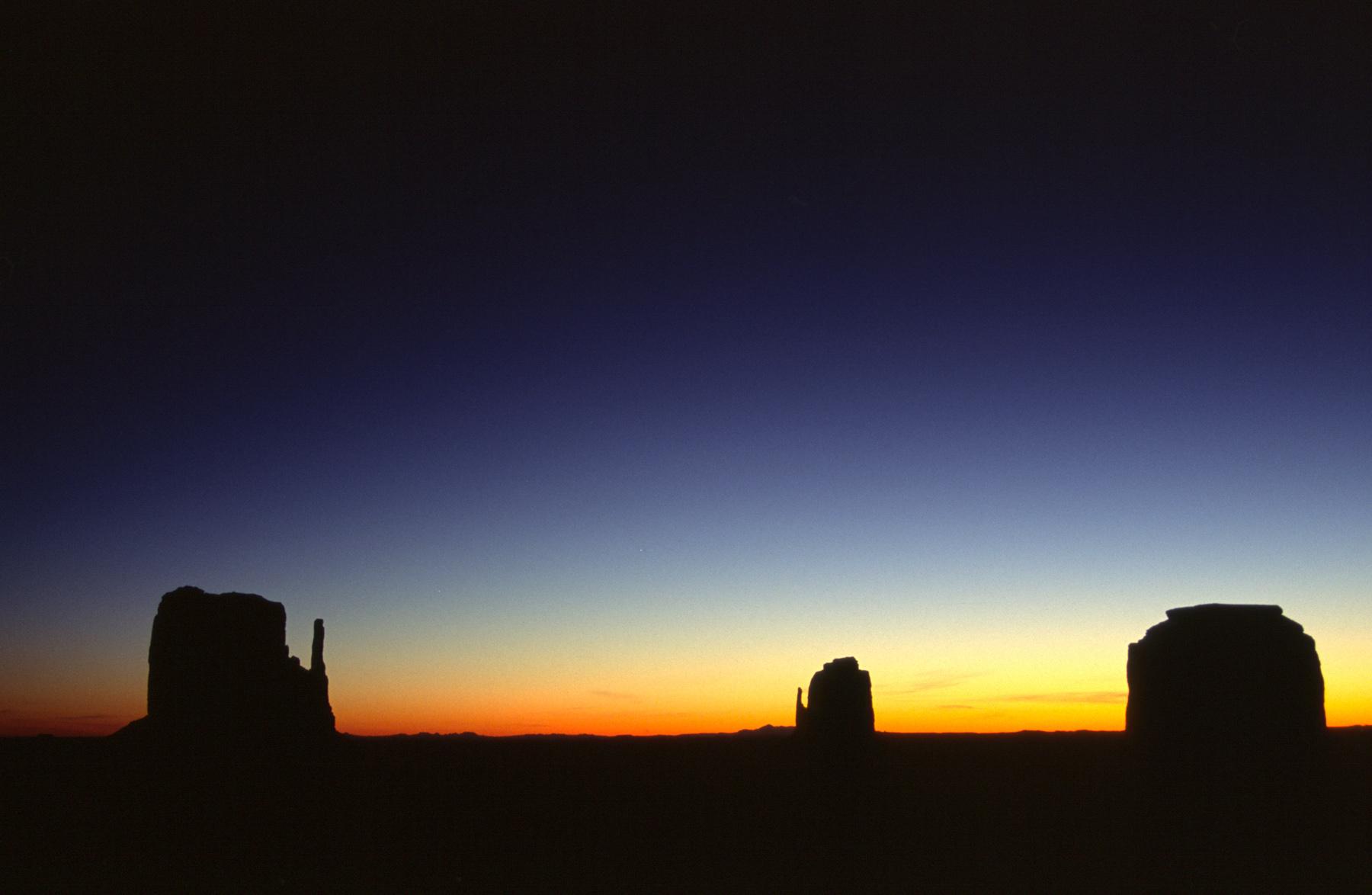 Sunrise Monument Valley, Arizona