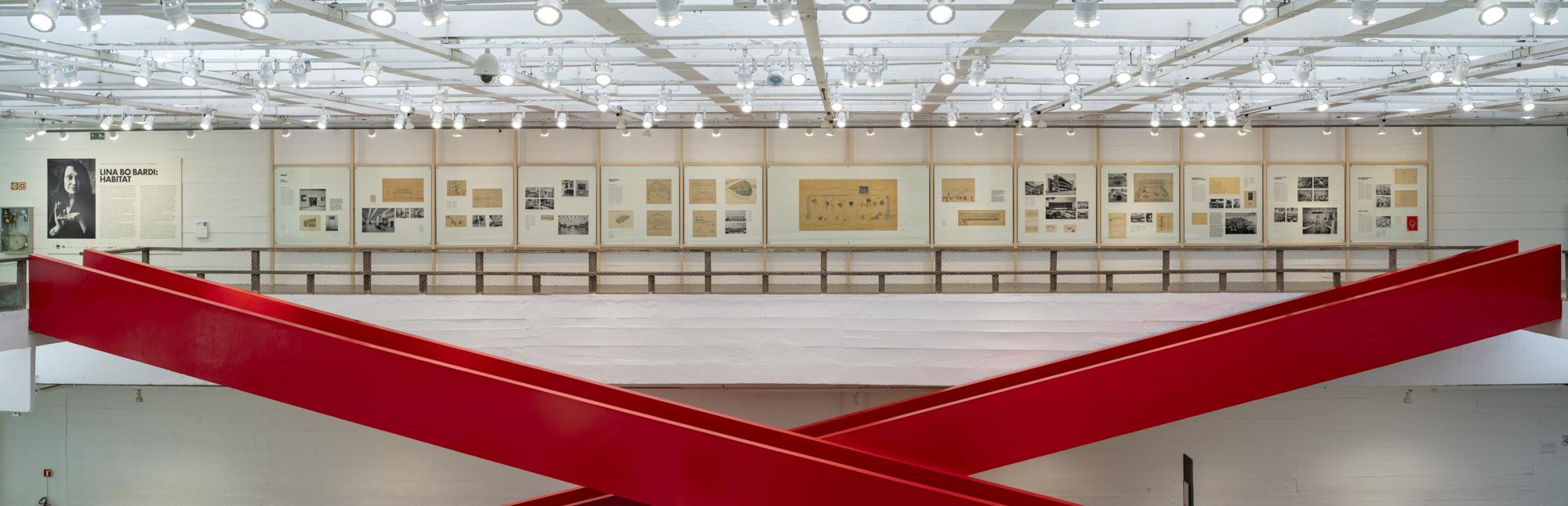 Lina Bo Bardi: Habitat , vista da exposição, 2019. Foto:  ©  Eduardo Ortega – cortesia MASP.