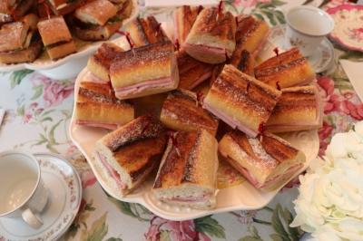Jambon-beurre sandwiches