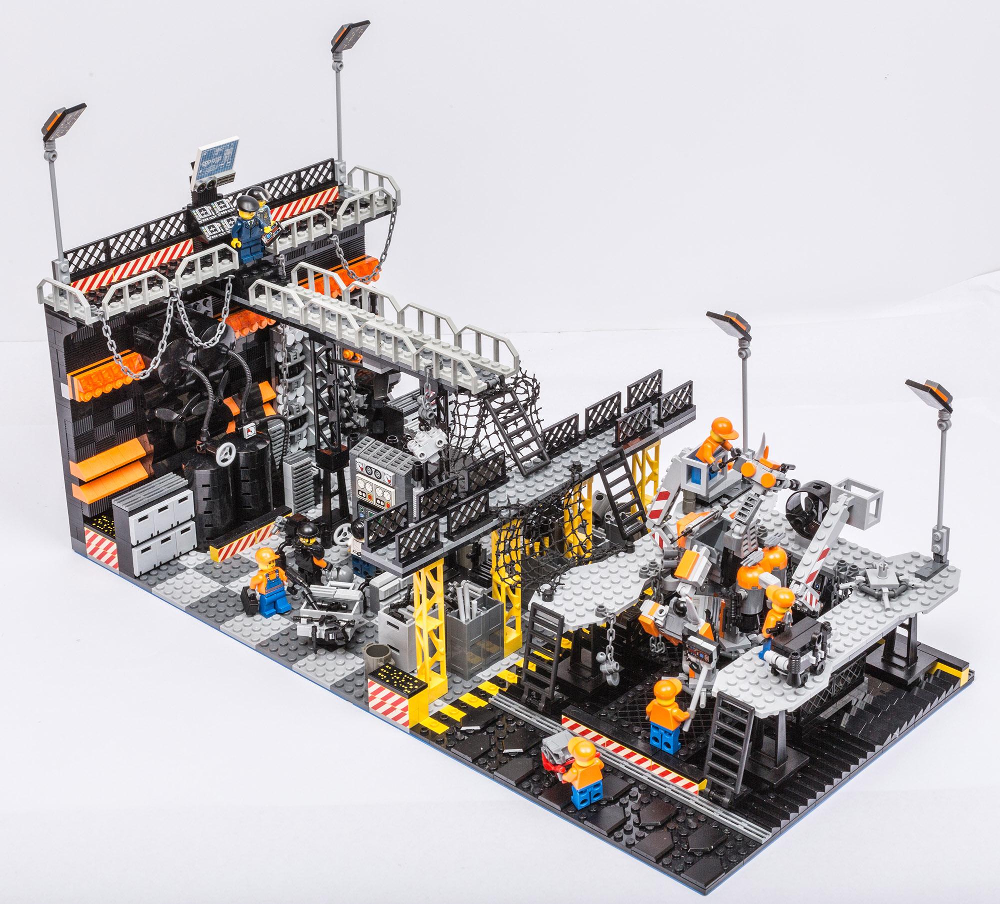 1018_LegoMOC_ThundersuitLaunchbay-7672.jpg