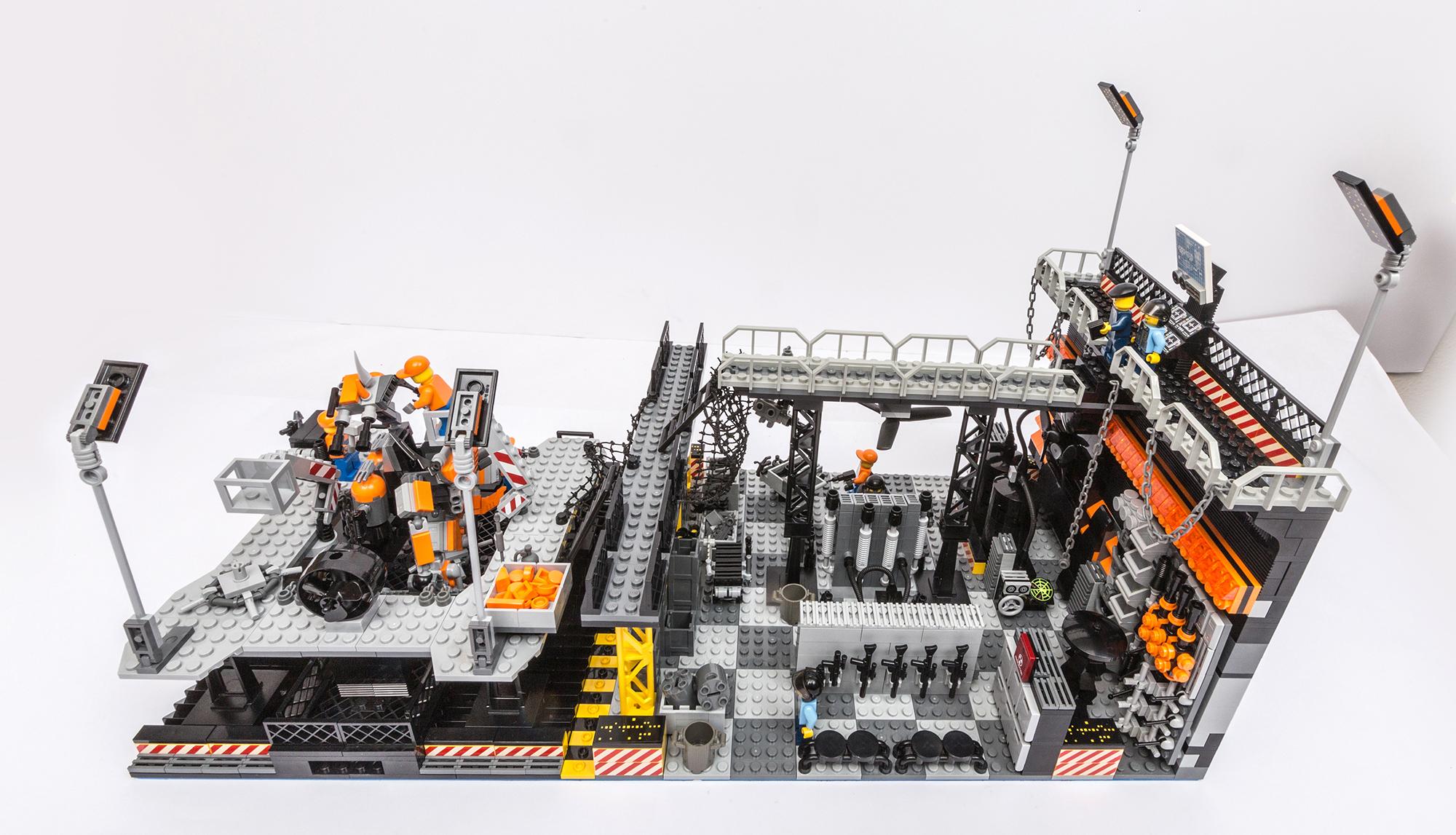 1018_LegoMOC_ThundersuitLaunchbay-7682.jpg