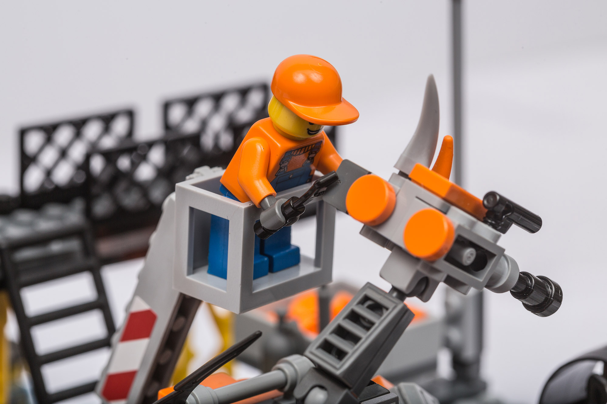 1018_LegoMOC_ThundersuitLaunchbay-7715.jpg