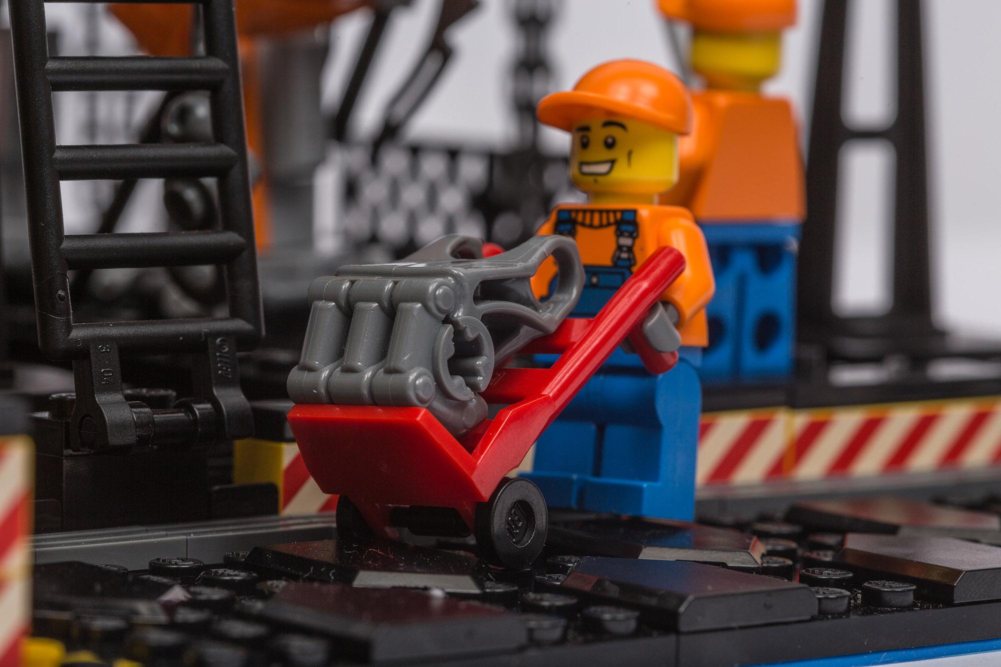 1018_LegoMOC_ThundersuitLaunchbay-7752.jpg