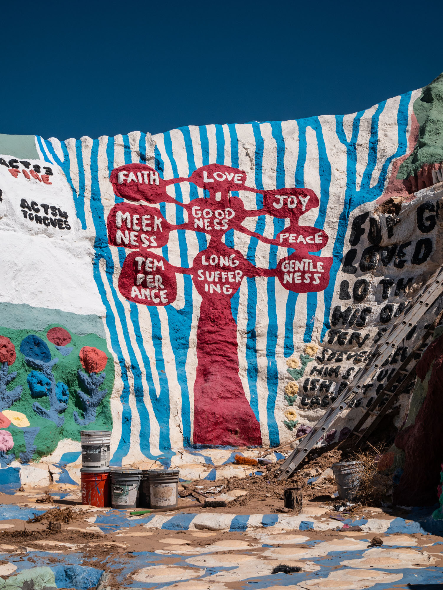 1019_SalvationMountain-1020045.jpg
