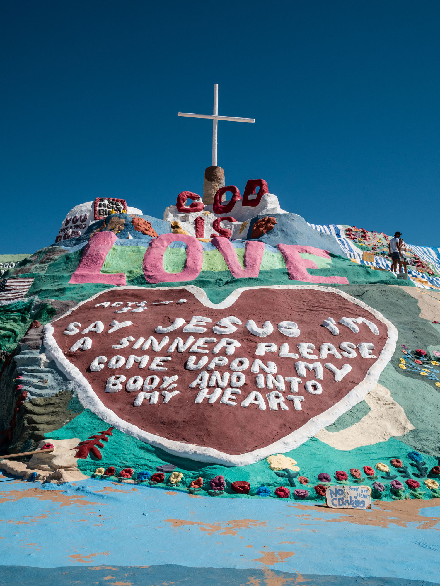 1019_SalvationMountain-1020040.jpg