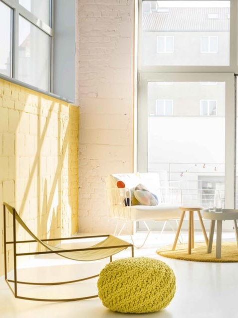 Using strong colours like yellow creates a very energetic and dynamic space. Photo via bobedre.dk