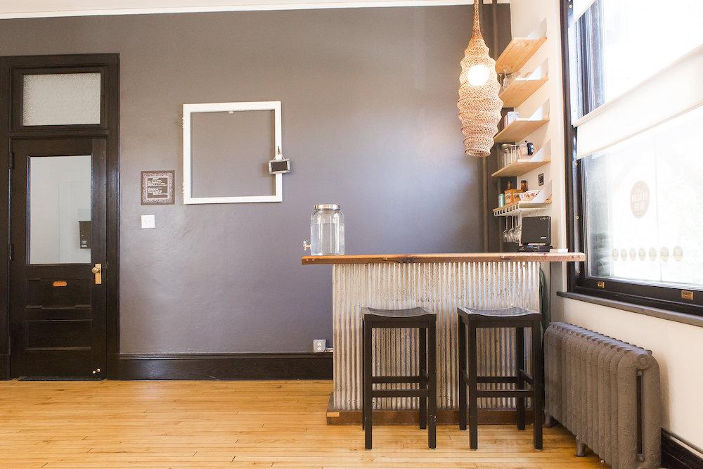 bar table 1000.jpg