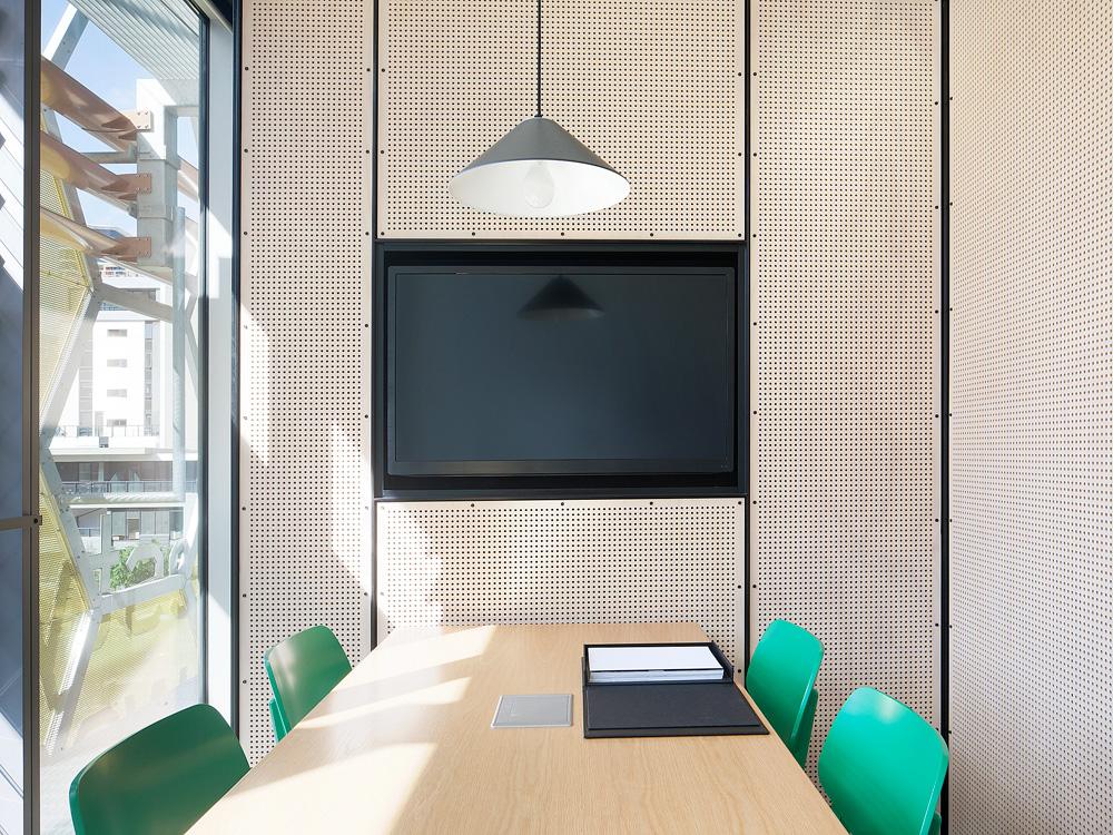 Molecule_Interior_Workplace_Docklands_Melbourne_Pekada_4.jpg