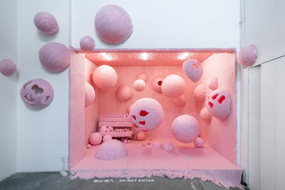 Weijue's latest installation at ShanghART Gallery