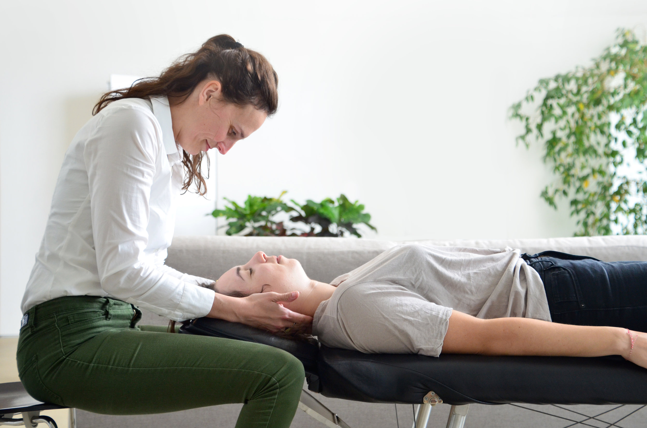 What Does a Chiropractic Adjustment Do? - SnapCrack Blog