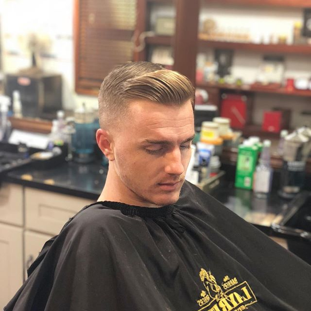Here at Batson Barbershop you'll experience only the best Haircutters on the West Coast. Step into this shop and you'll never go back. Facts. ———————————————— Book your appointment now @ Batsonbarbershop.com Limited spots available, booking in advance is highly recommended. Walk-ins welcome ————————————————— #barbershop #barber #hairstyles #haircut #haircolor #hair #lifestyle  @thebarberpost @barbershopconnect @barbersshops @officialbarberclub @wahlpro @wahl_official @cjhanmer @batsonhair