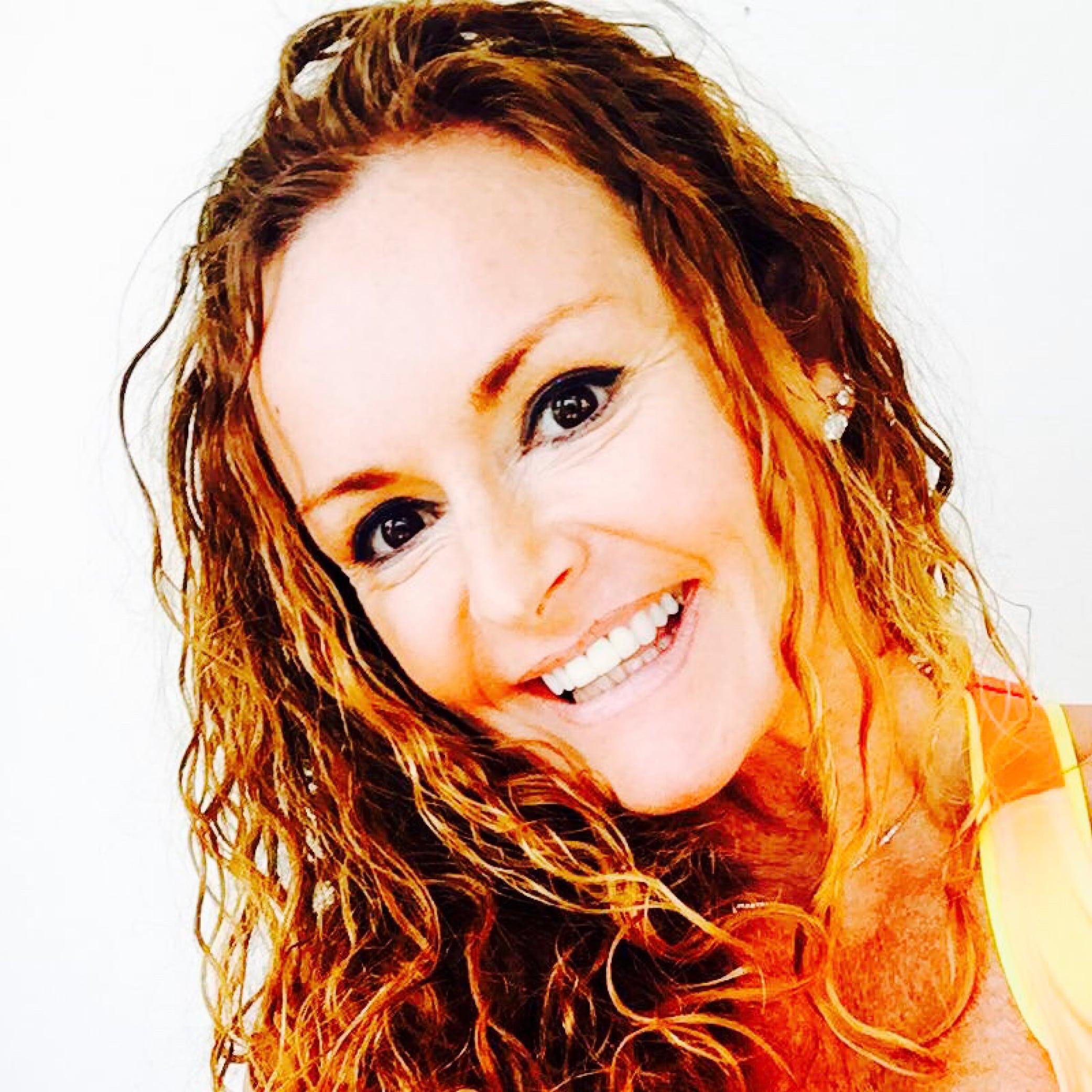 Christin Kalve   Vår motivator og treningsekspert på denne reisen er Christin Marås Kalve som er en dyktig, erfaren og fargerik vestlandsdame. Utdannet instruktør og PT gjennom SAFS og SAFE. Christin brenner for hverdagsmagi og å gjøre trening og kosthold så inspirerende -lett og ukomplisert som mulig for flest mulig. Christin er kjent for å være en mester i å motivere andre med sin energi og enorme livs- og treningsglede. Christin holder bootcamp sykkelekspress og effektiv tabata denne helgen