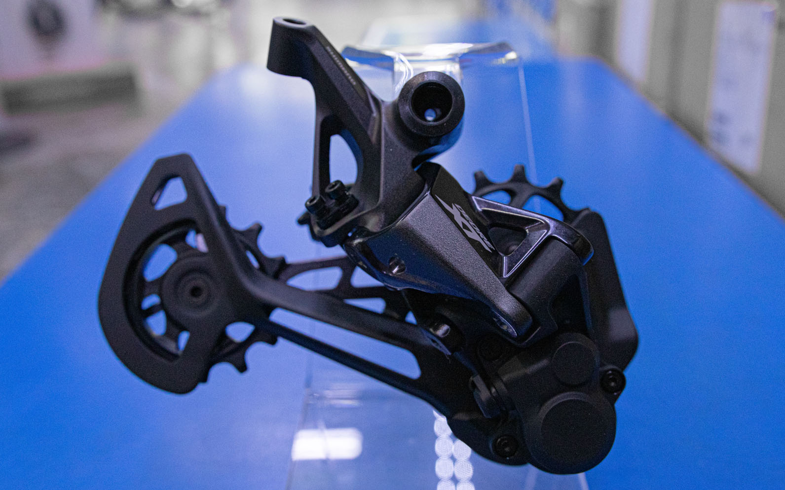 MTB: The 6 Reasons to Upgrade to the New Shimano XT M8100