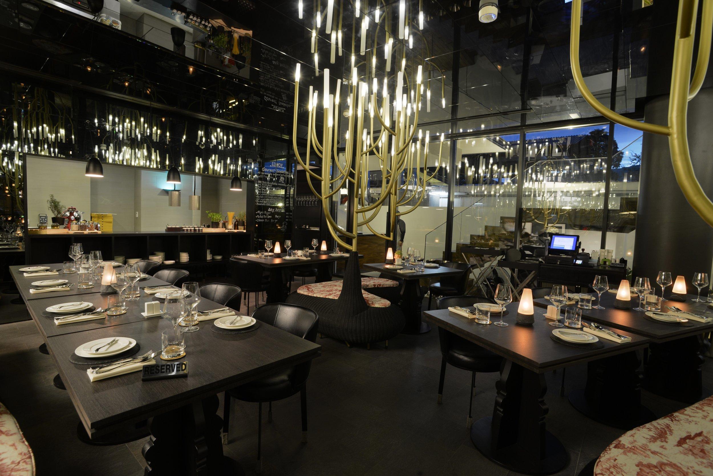Italics restaurant4.JPG