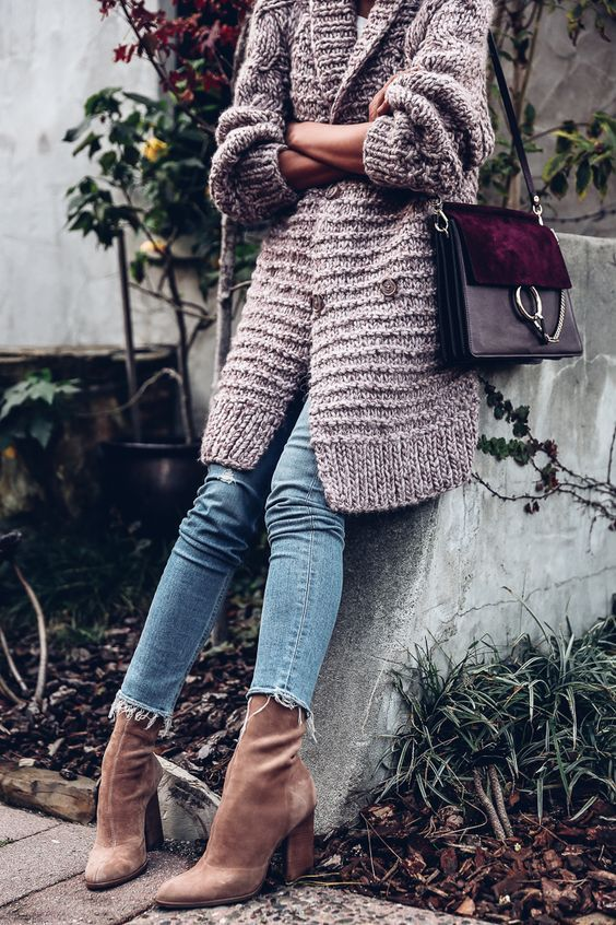 07-a-blush-chunky-cardigan-cropped-jeans-amber-velvet-sock-boots.jpg