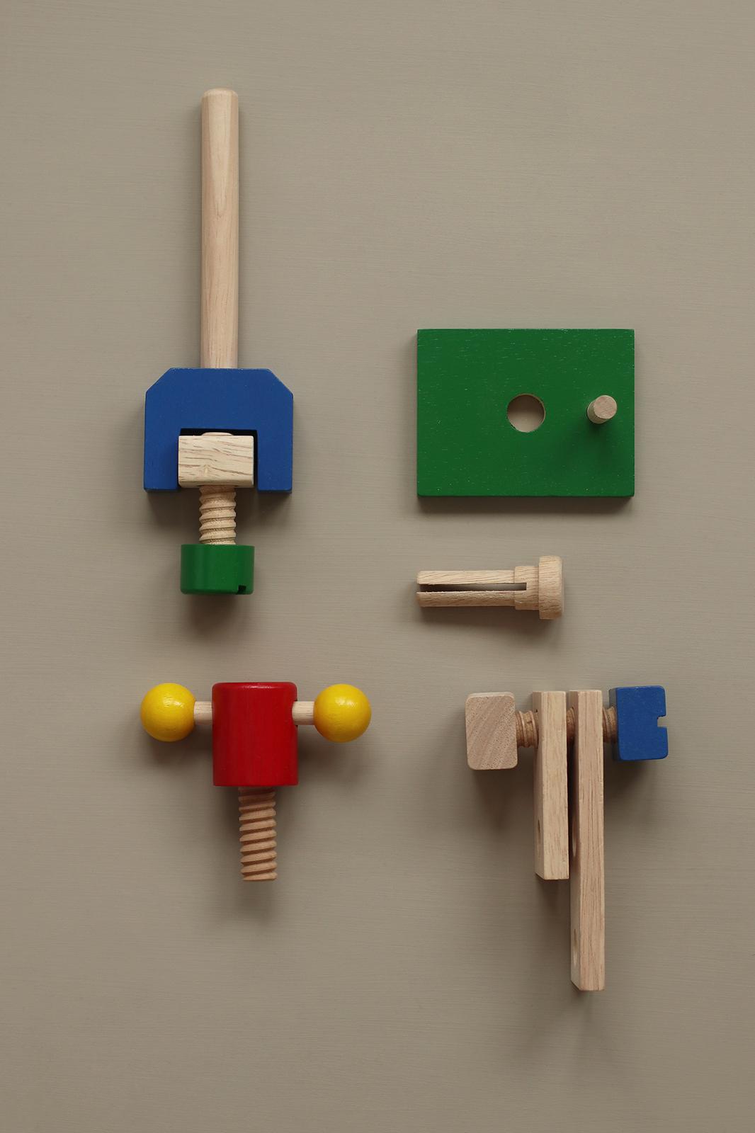 wooden_toolbox_2.jpg