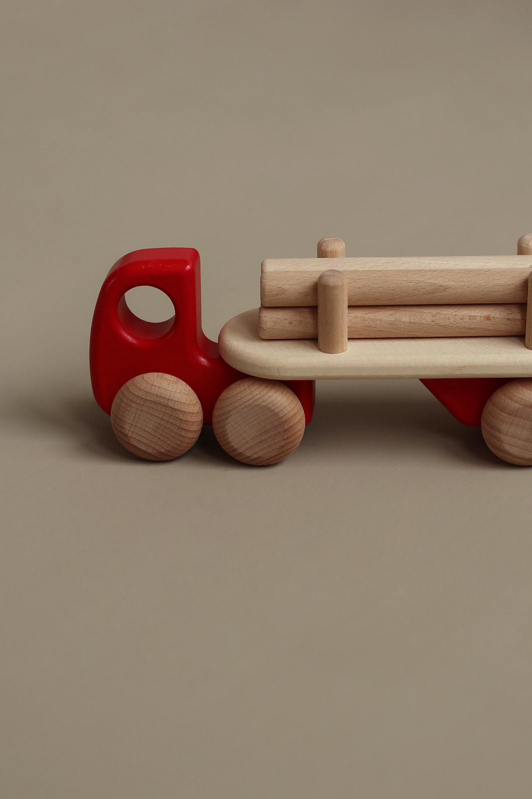 kids_truck_timber.jpg
