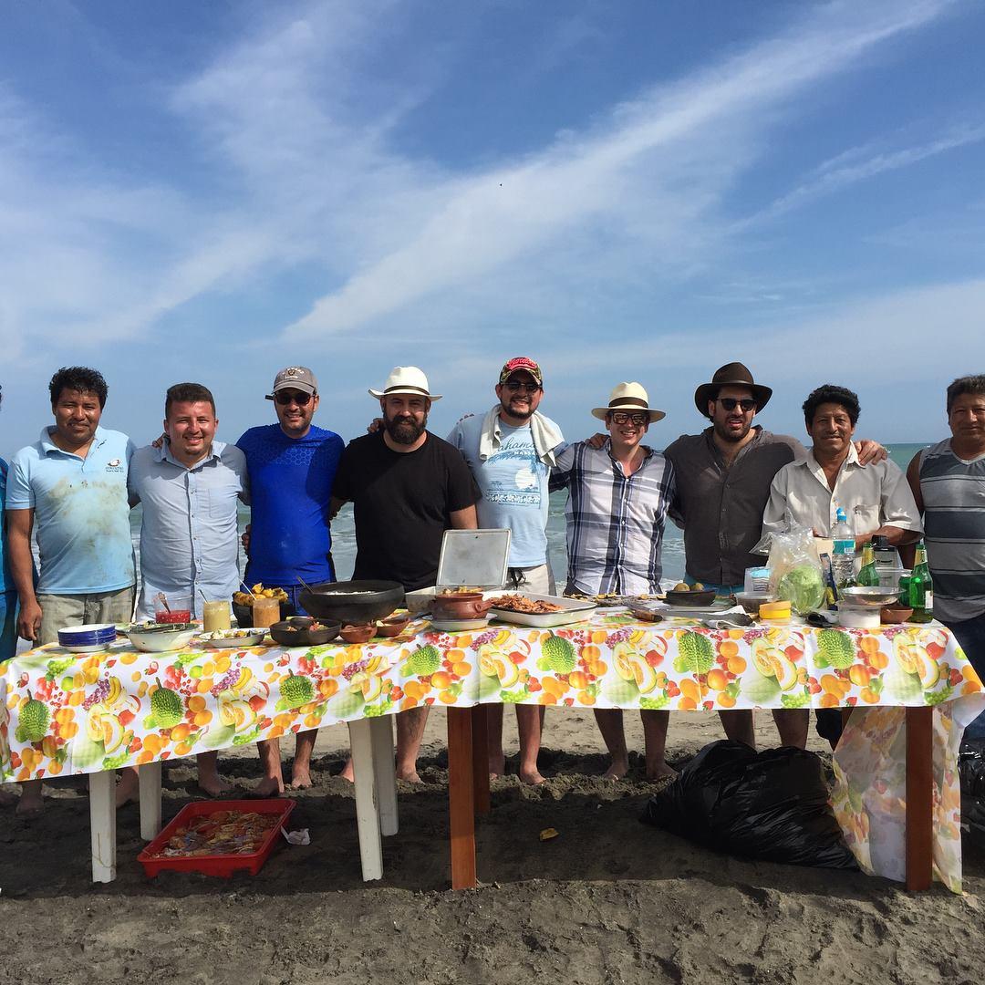 Cocinando con algunos chefs de Ecuador