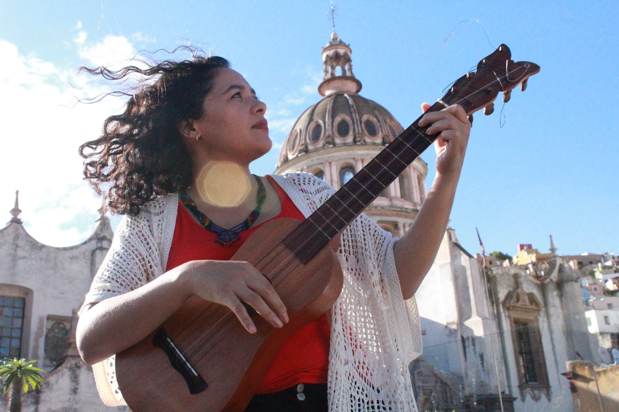 Marisol Yáñez Oros, cantautora mexicana.