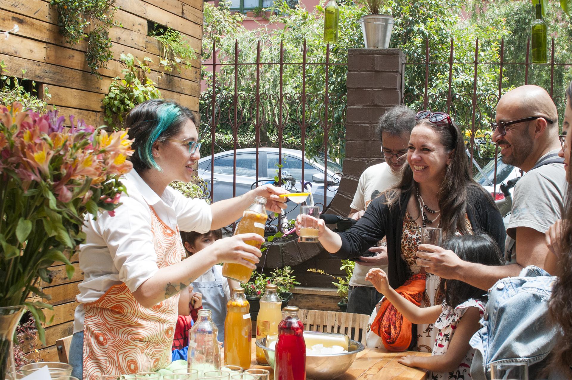 Primera degustación de Nina Kombuchería en Café Botánica