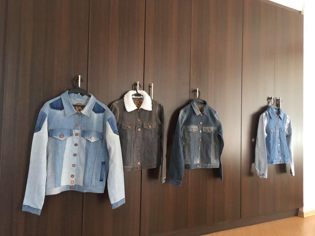 Algunas prendas de jean. / Fotografía: REMU