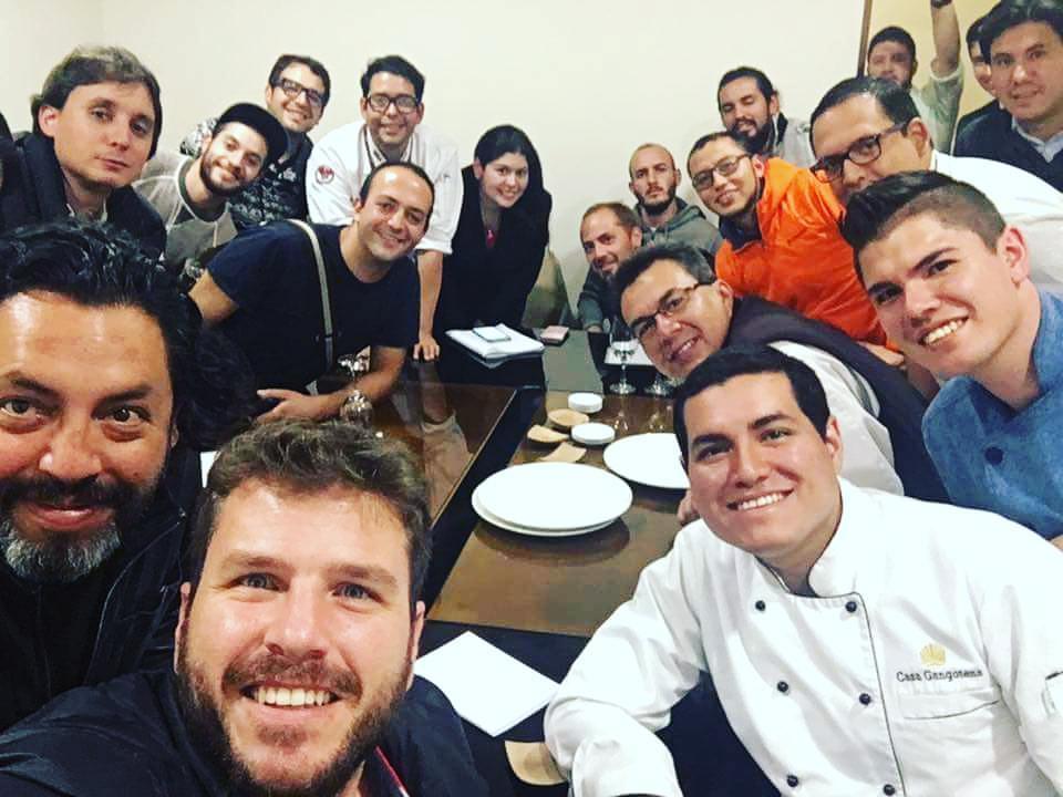 Alianza de cocineros del Ecuador, conformada por chefs, cocineros y propietarios de restaurantes y cafeterías, quien son los promotores del movimiento Slow Food en nuestro país.