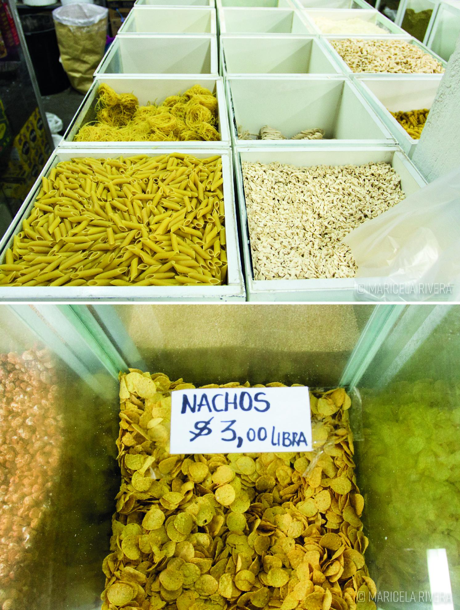 Tienda de productos al peso en los alrededores del mercado Santa Clara, calle Antonio Marchena. Fotografía: Maricela Rivera.