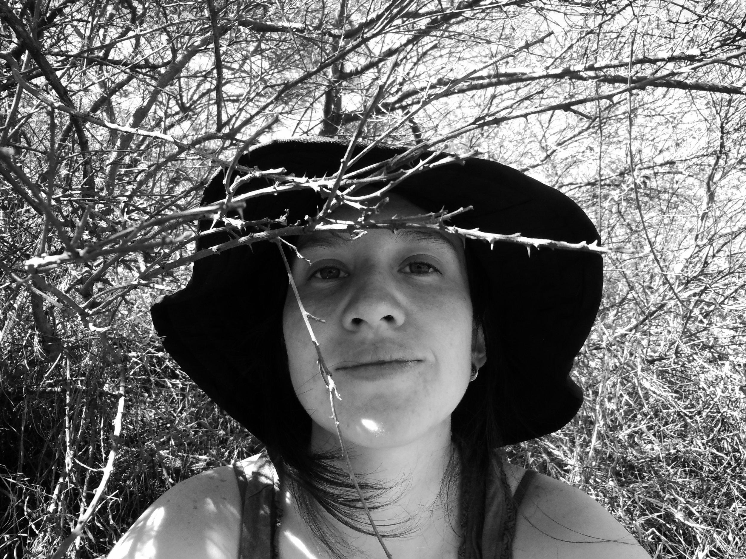 Gabriela Jaramillo Dávila - Ecóloga, socióloga y madre. Amante de la naturaleza y apasionada por contribuir a cambios sociales que nos permitan mejorar nuestra calidad de vida y la de nuestro planeta. Ha participado en varios proyectos relacionados con el medioambiente, huertos escolares, permacultura, y agroecología. Actualmente trabaja en Ecobolsas CICLO, un emprendimiento que busca reducir la basura generada por el uso de bolsas plásticas desechables ofreciendo alternativas reusables.Para contactarse puedes escribir a ecobolsasciclo@gmail.comInstagram: @ciclobolsasFacebook: @ciclobolsas