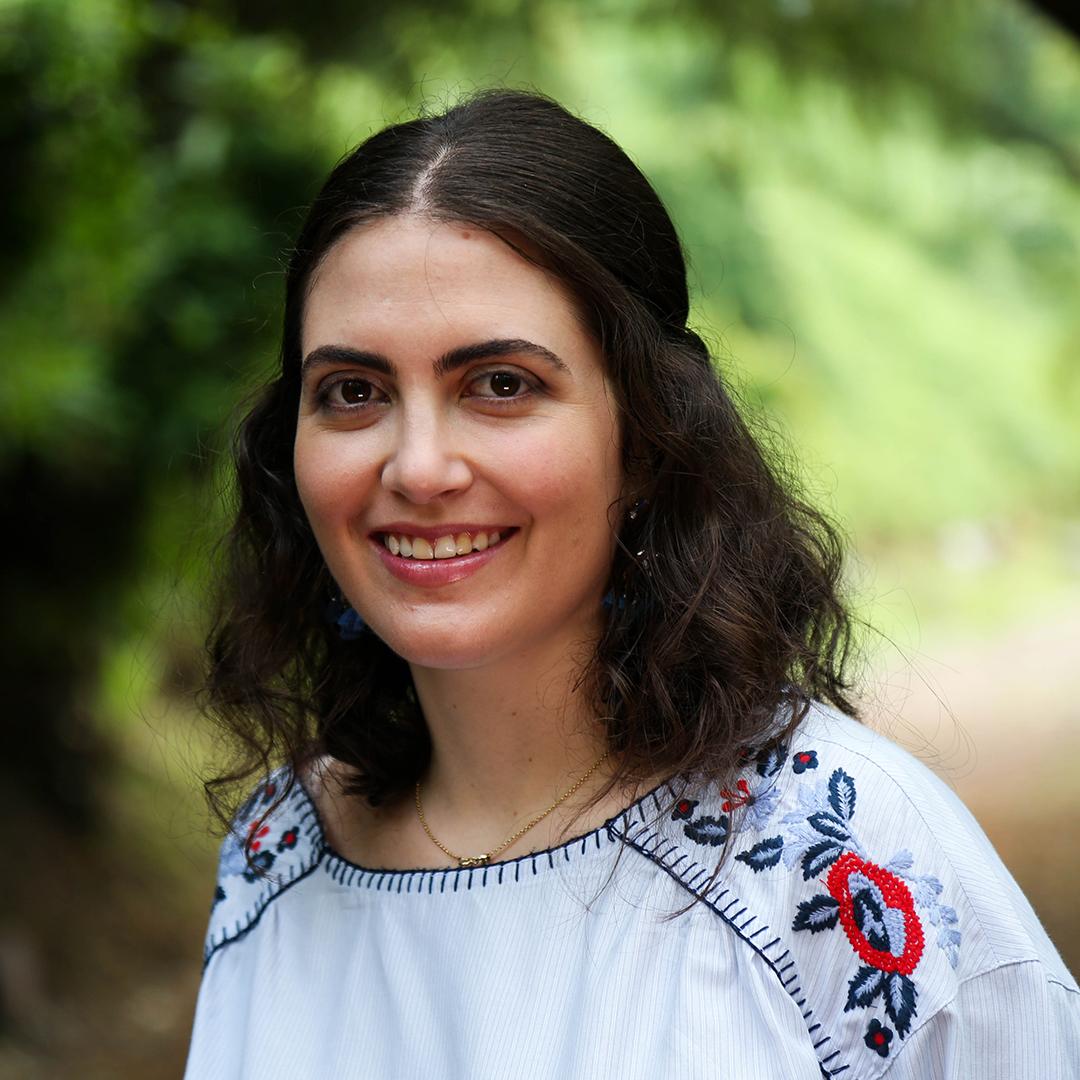 Julia Escudero - Periodista, video-reportera y Health Coach. Interesada en sanar la relación con el cuerpo a través de la alimentación y un estilo de vida saludable.Instagram: @sunlight.food