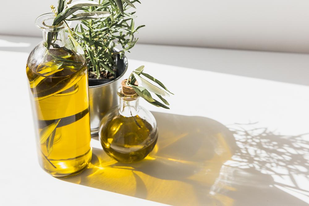 Aceite de oliva extra virgen  protege la mucosa del estómago y por ende, evita el reflujo. Foto: Freepik