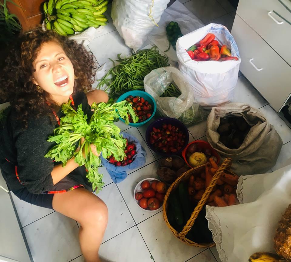 Estefanía Gómez - Co-fundadora del proyecto Concious Kitchen que buscaba luchar contra el desperdicio de alimentos mediante charlas y cenas en donde se rescataba alimentos que iban a ser desperdiciados en La Haya en Holanda. Actualmente, trabaja en programas de emprendimiento y empleabilidad para la población en movilidad humana en acuerdo con el PNUD y ConQuito.