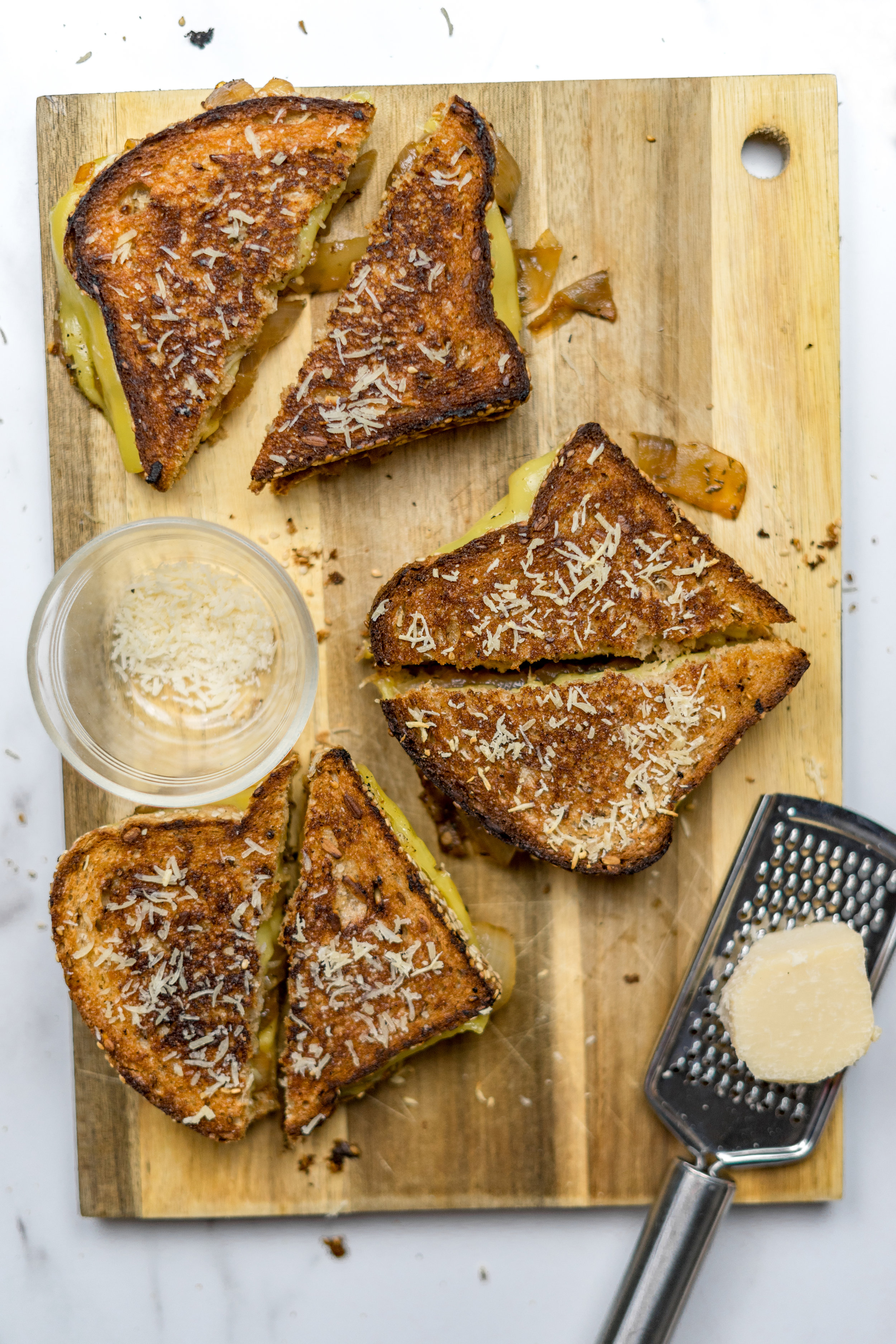 vegan grilled cheese recipe, how to make the best grilled cheese, french onion soup recipe, how to caramelize onions, vegan grilled cheese, the best vegan cheese at whole foods, where to buy vegan cheese, how to make a grilled cheese, french onion, vegan french onion soup, i am rorie, i am rorie recipes, vegan chicago food blogger, vegan food blogger, i am rorie vegan food, the best vegan grilled cheese recipe, how to make a grilled cheese vegan, how can i make a grilled cheese vegan, sweet onions, thyme, vegetable broth, multi grain bread, smoked provolone, violife foods, vegan cheese, vegan smoked provolone, vegan provolone, vegan parmesan, best vegan parmesan, violife parmesan wedge