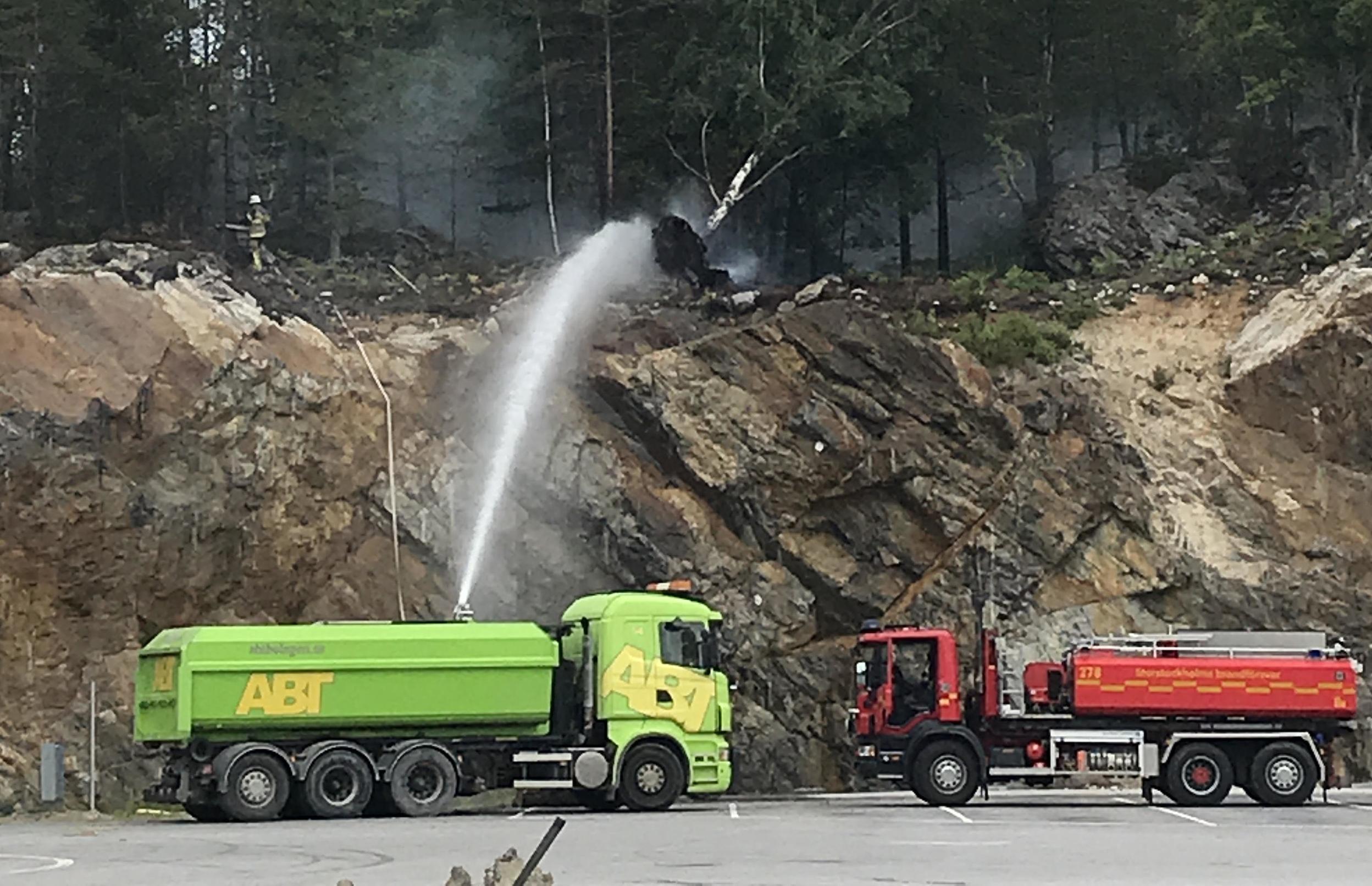 Under dagen uppstod en mindre skogsbrand i närheten av sprängningarna på Ekobacken