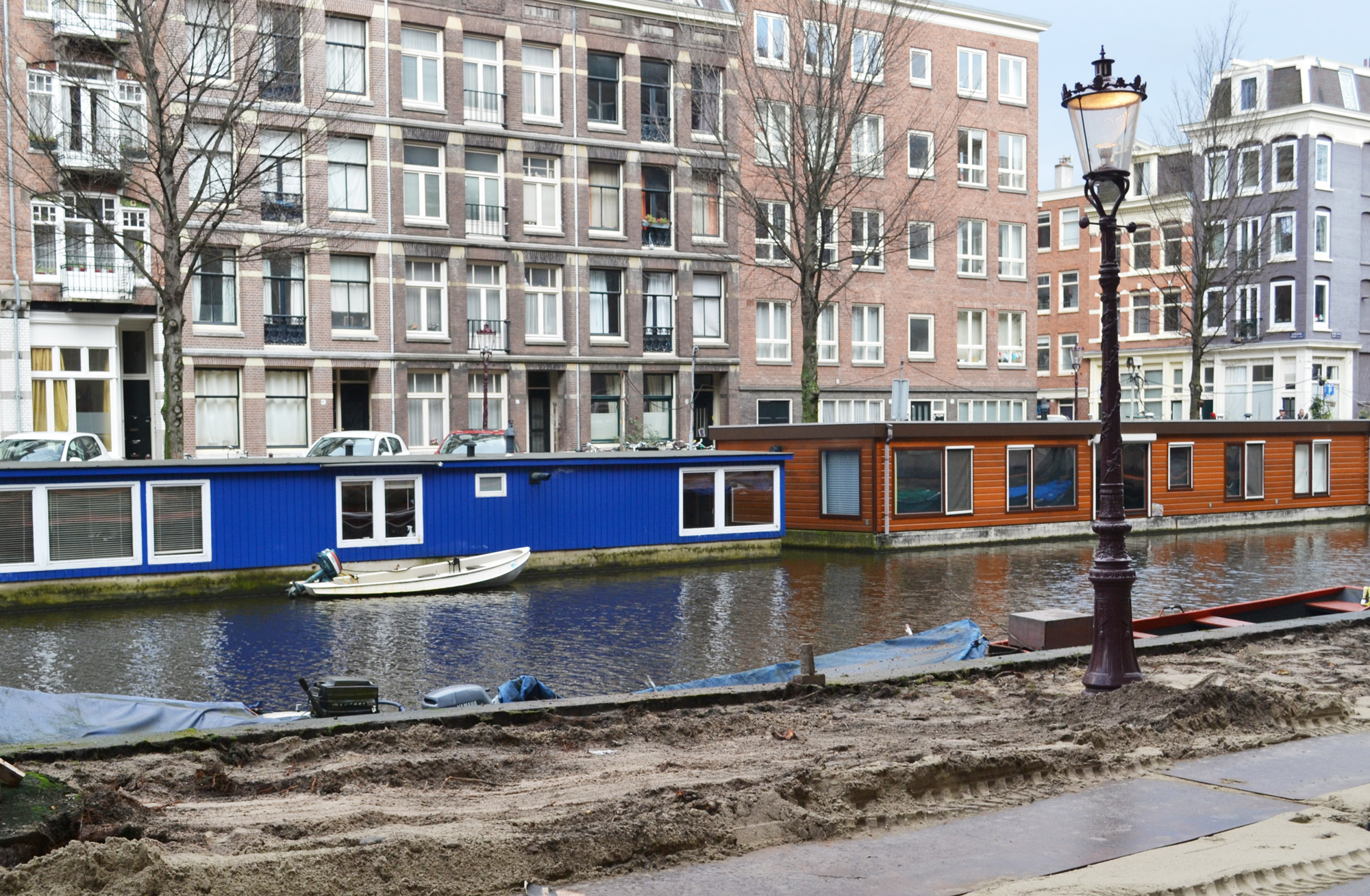 urbanbacklog-amsterdam-canal-houses-3.jpg