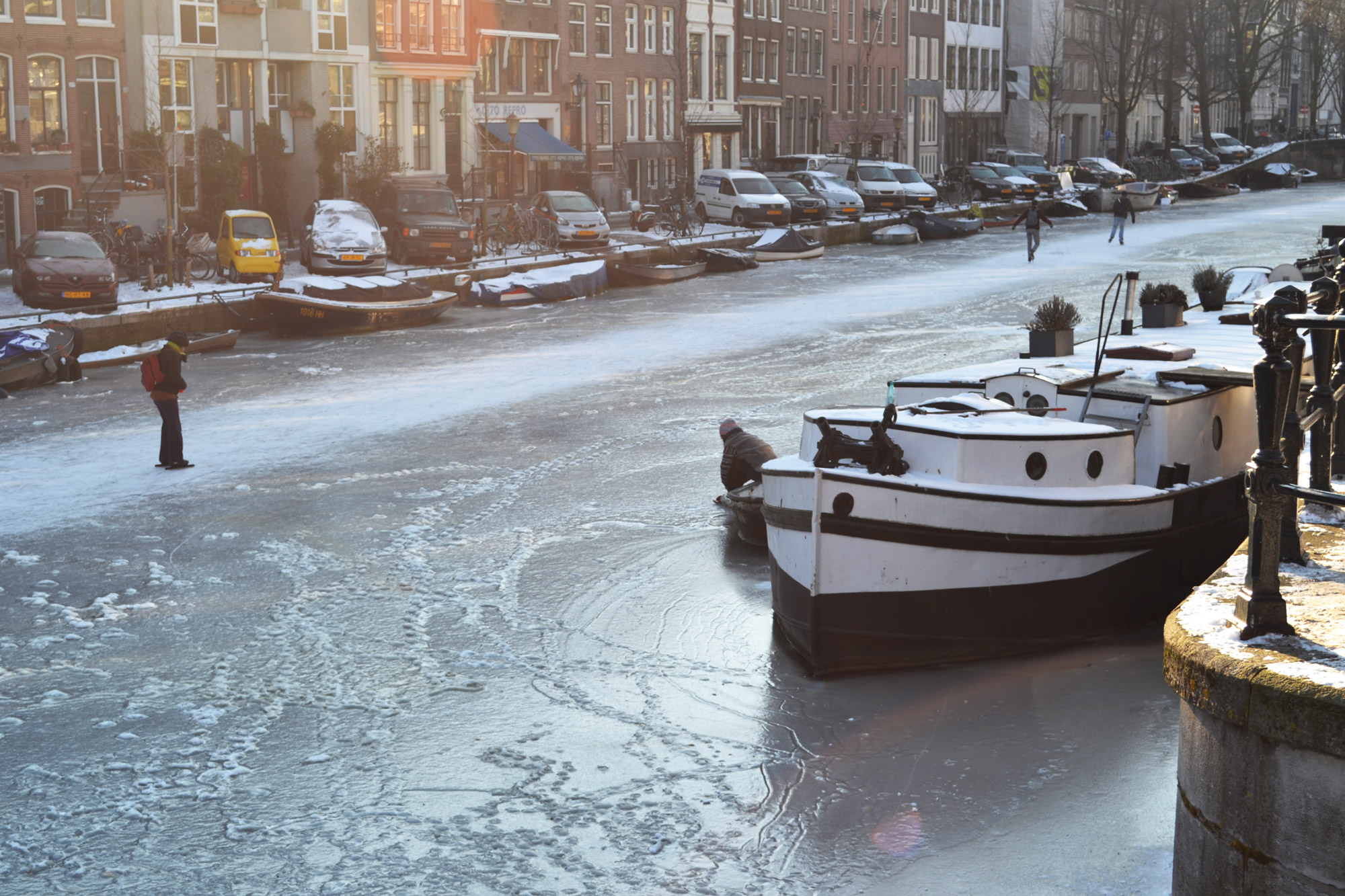 urbanbacklog-amsterdam-canal-houses-6.jpg